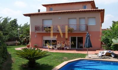 Pompeu Fabra, Mirasol, 5 Bedrooms Bedrooms, ,3 BathroomsBathrooms,Casa,Compra,Pompeu Fabra, Mirasol,1039