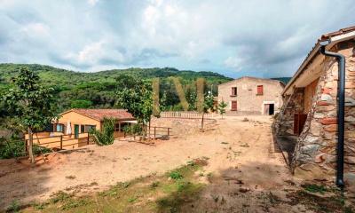 El Mirador-La Cornisa, 8 Bedrooms Bedrooms, ,6 BathroomsBathrooms,Casa,Compra,El Mirador-La Cornisa,2,1043